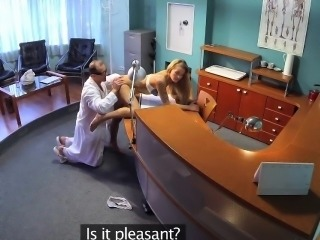 FakeHospital Sexy blonde patient raises the temperature