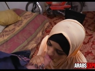 Young Arab Girl Tries a Blowjob