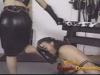 Pizza boy ends up as a slave in this domina