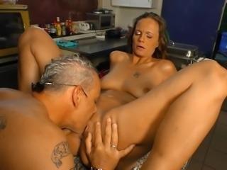 DeutschlandReport - Amateur German babe gets fucked on the kitchen counter