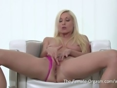 Sexy MILF strips and masturbates her clit with a wand vibrator to a real...