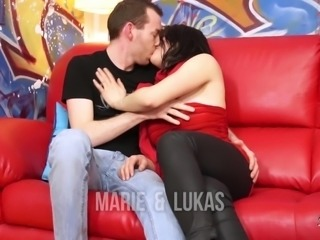 Amateur couple love to fuck while being filmed