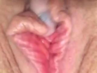 Girlfriend masterbates to orgasm wet pussy