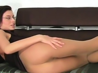 Large tear in her pantyhose is so worthy for tough fingering