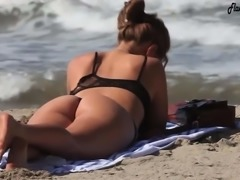 moreninha super gostosa na praia