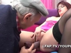 BBW la Femme de menage se tape un vieux Papy