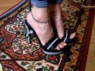 Mature long toenail