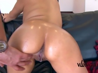 TuVenganza - Hot Colombian gets her big boobs jizzed