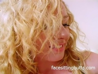 Curly blonde gets her stockings dirty