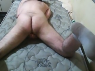 guy humps one shrunken person
