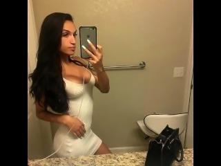 Ava Maayan Sexy pics