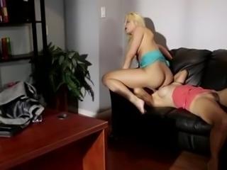 Lesbian Asslicking