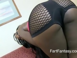 Put your face in her farting ass