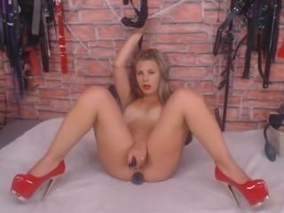 Hot Sexy Slut Babe Masturbate on Cam