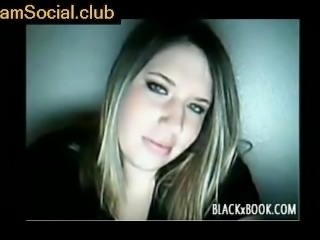 Very hot Blonde Reveals Tits on CamSocial.club