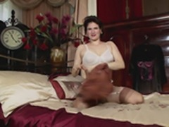 Milf in Stockings mastubating