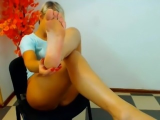 Blond Cam Feet Short Hair NO SOUND