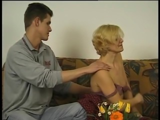 Amateur Hairy Old Lady Loves Boy - LostFucker
