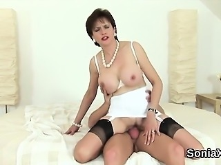 Cheating english mature lady sonia shows off her large boobs