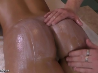This hot lady enjoys the kinky way this guy massages her body, oiling her...