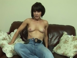 Hot mature chick has a pink toy and intends to use it right now