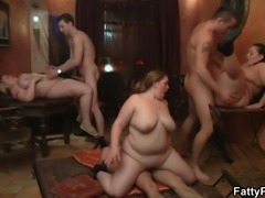 Chubby party girl sucks and rides