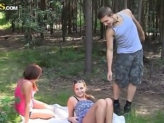 Two all natural hotties Grace and Madelyn pick uped teen boyfriend for a...