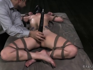 It's a bondage session that her sweet beaver will never forget