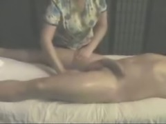 A client with really big and meaty cock receives erotic massage
