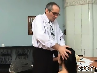 Darling opens her cunt for teacher's hard drilling