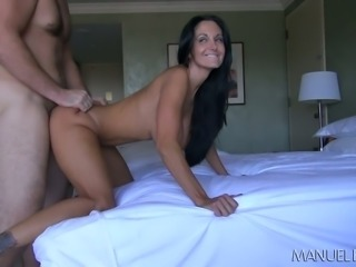 Lecherous brunette mommy Ava Addams drilled in bedroom by Manuel Ferrara