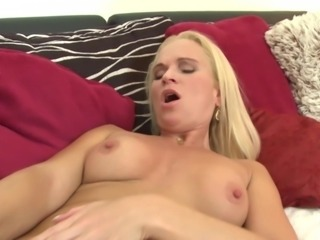 Sexy amateur wifes and MILFs with hot bodies