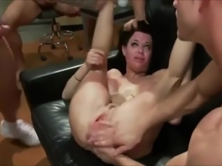 Veronica Avluv trained to become airtight