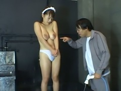 Hot Japanese maid with yummy tits knows what waterplay is all about