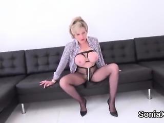 Cheating british mature lady sonia shows her gigantic boobs