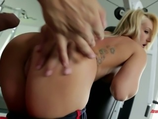 Fitness instructor drills vagina of sexy sport chick Cali Carter