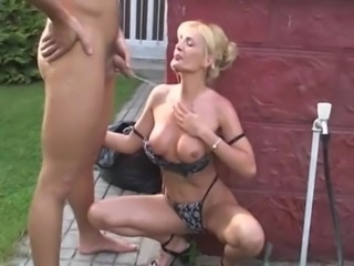 Wet Pissing Sex in the Garden