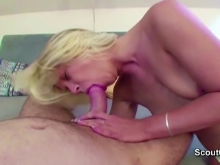 Sexy Stepmom Seduce Young Boy to Fuck her When Alone