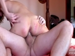 Amateur french couple fucking hard on the bed