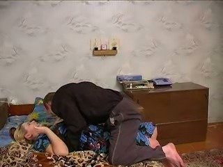 Chubby housewife and skinny dude having sex on the bed