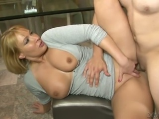 Lecherous mommy gets drilled in the living room by her new buddy