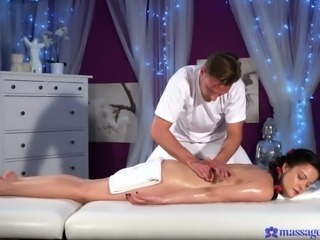 oilly massage makes dolly hotter