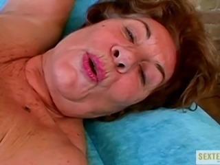 Hilfe! Sexsuechtige OMA!!!