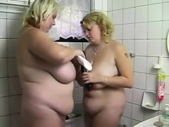 Two blonde bbw sluts having a good time in toilet