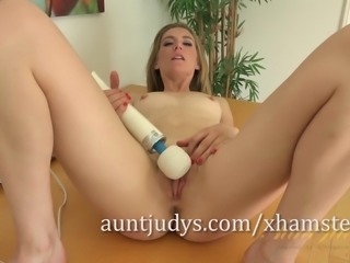The Hitachi Gives Mona Wales a Massive Orgasm