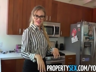 PropertySex - Shady real estate agent tricks client to buy house with her pussy