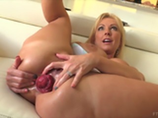 MILF makes her Rectum prolapse