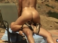 6 foot goddess Gianna Michaels looks great in cowgirl position