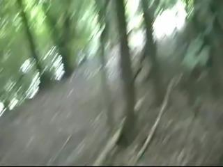 bonne levrette dans le bois