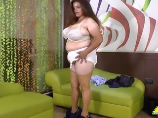 Rosaly is masturbating her fat latin granny pussy